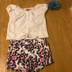 Other - Girl top and shorts set